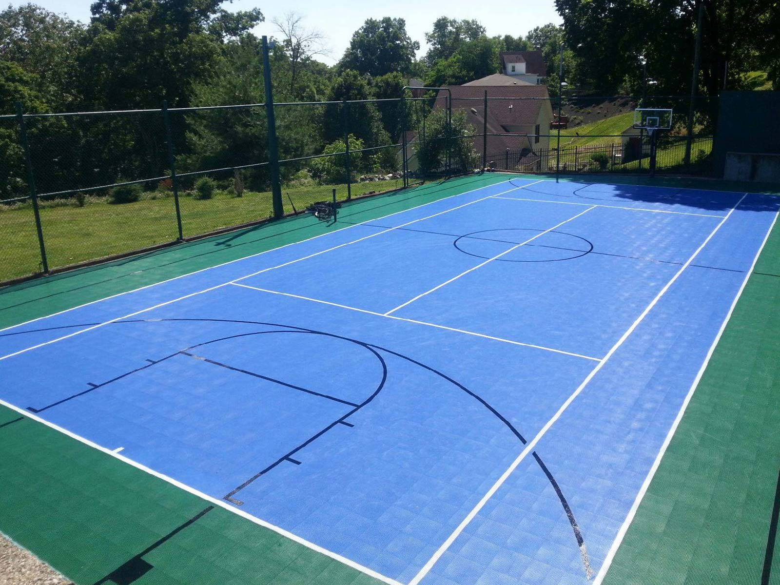 Evergreen and bright blue full multi-court